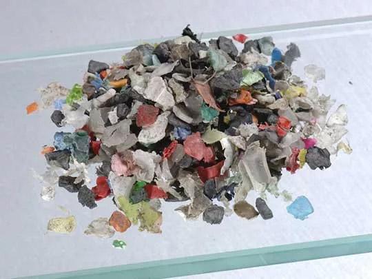 третирани и нетретирани пластмаси